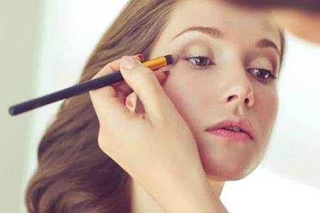 https://cdn.yarbanoo.com/media/posts/makeup/97/06/16/p1-makeup-1621/makeup.jpg