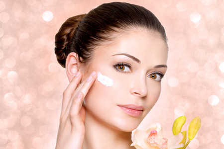 https://cdn.yarbanoo.com/media/posts/makeup/97/07/29/p3-ar-makeup-1804/CareSkin.jpg